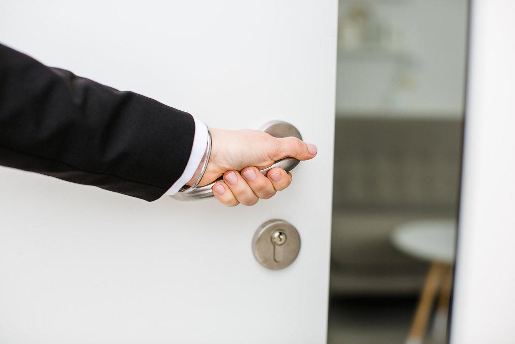 Strategit Header Wir öffnen Türen